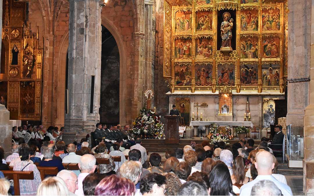 Misa del Pilar en el interior de la Colegiata de Caspe.