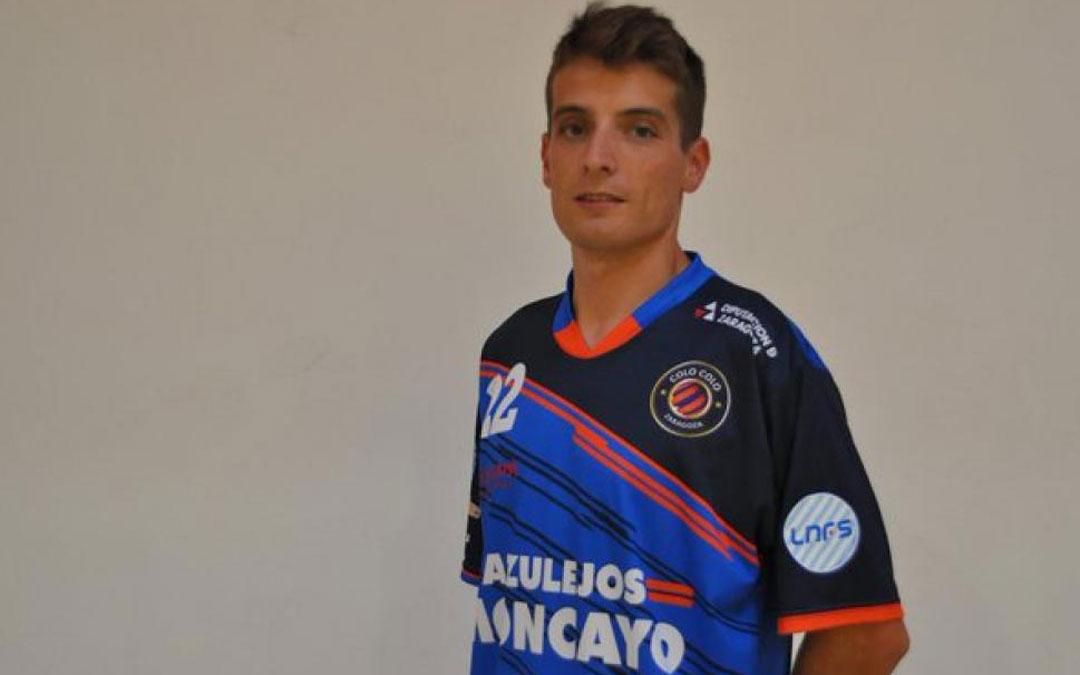 El hijarano vistiendo la camiseta de su nuevo equipo el Azulejos Moncayo Colo Colo