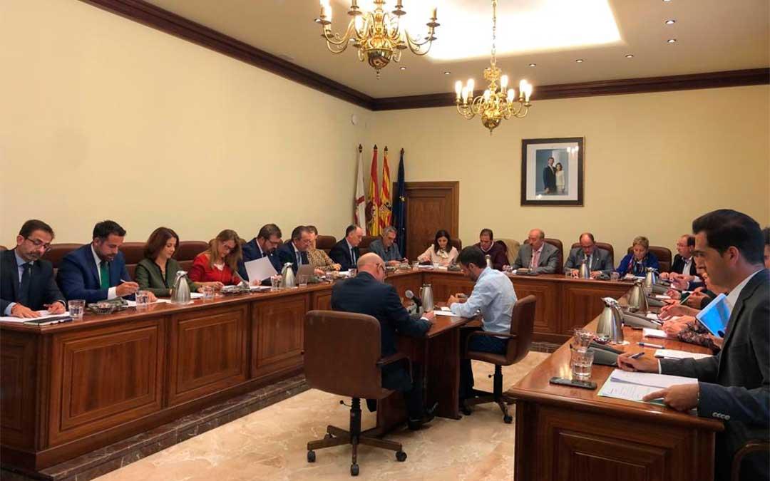Pleno de la Diputación Provincial de Teruel celebrado este martes.