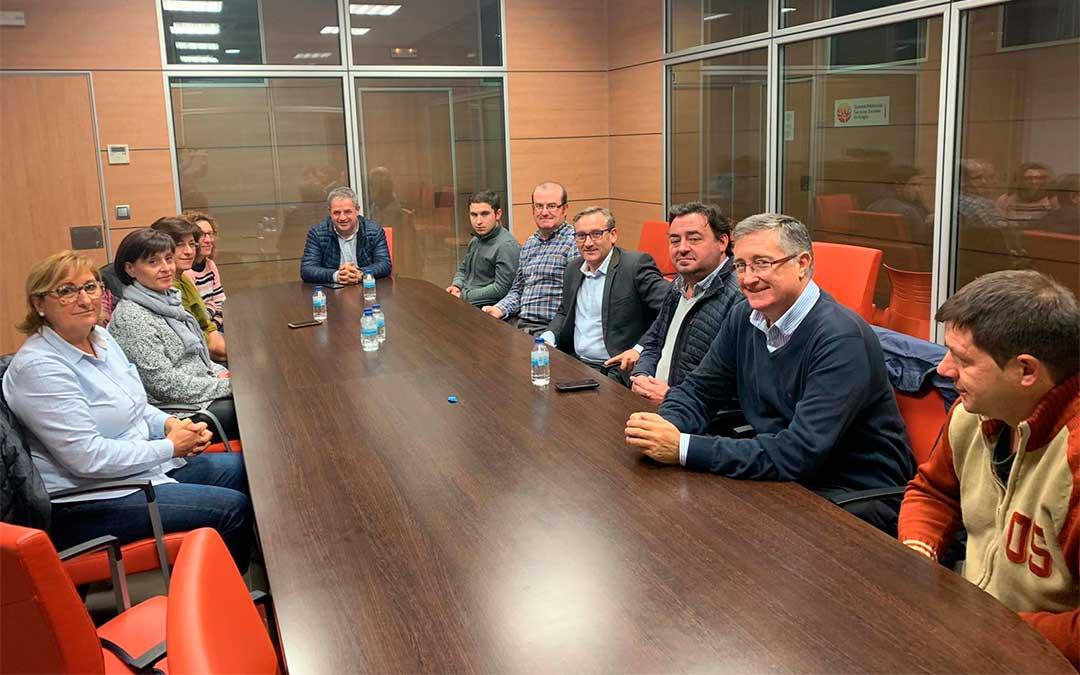 Los candidatos populares para los comicios del próximo 10 de noviembre visitan Cantavieja./ PP