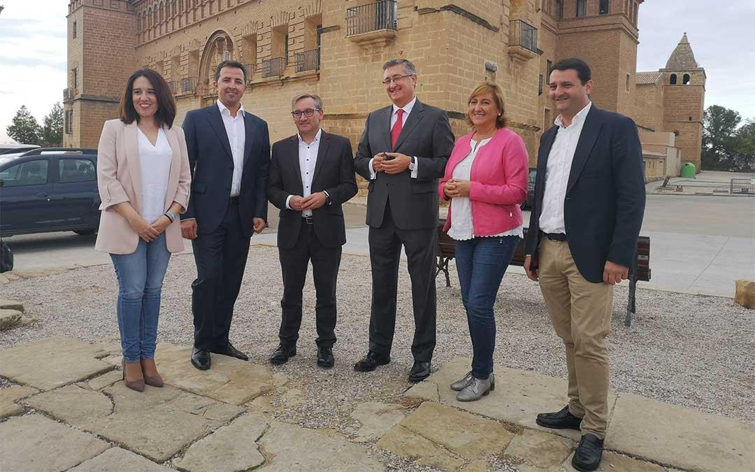 Los candidatos al Congreso y Senado por Teruel ayer en el Parador de Alcañiz./ Iulia Marinescu