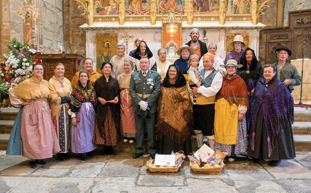El concurso de Indumentaria Aragonesa aumenta la participación en la Ofrenda de Caspe