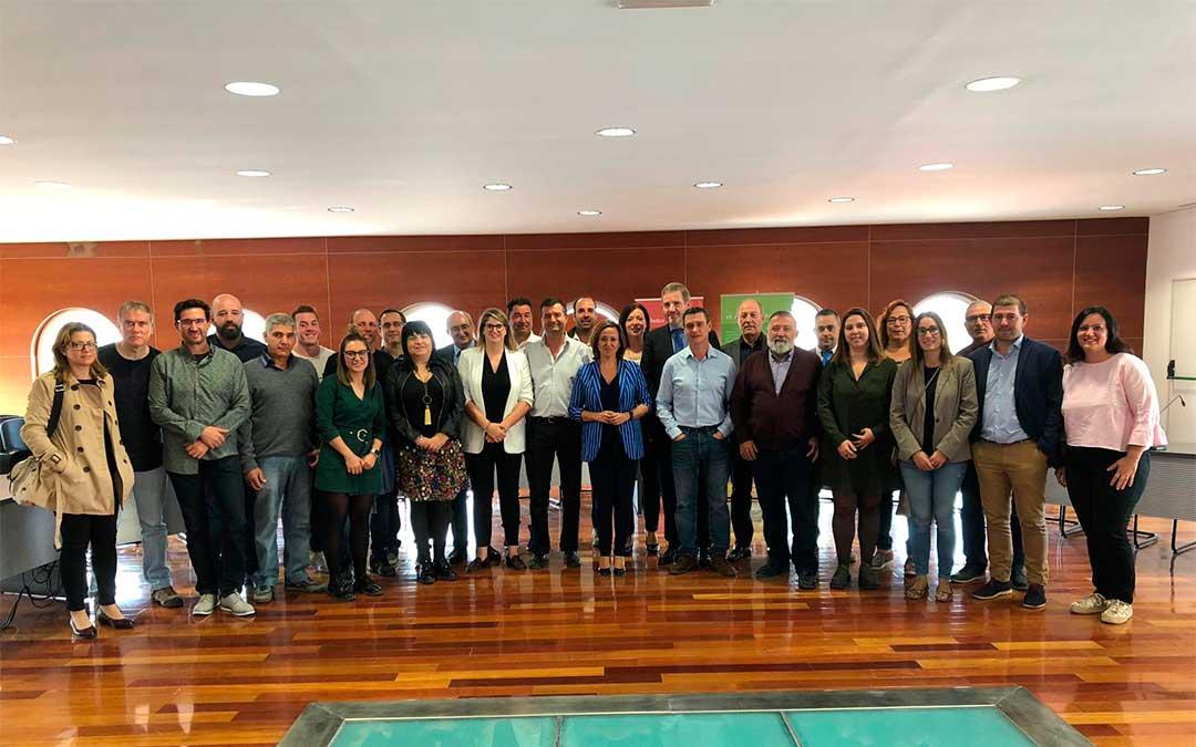 La Secretaria General de los socialistas turolenses, Mayte Pérez, se reúne con los cargos electos en la Comarca del Bajo Aragón
