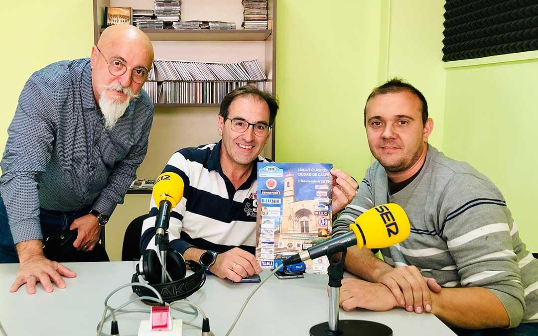 Rafael Porcar, Roberto Royo-Villanova y Fran Poblador, del Club de coches Clásicos Caspe-Chiprana.