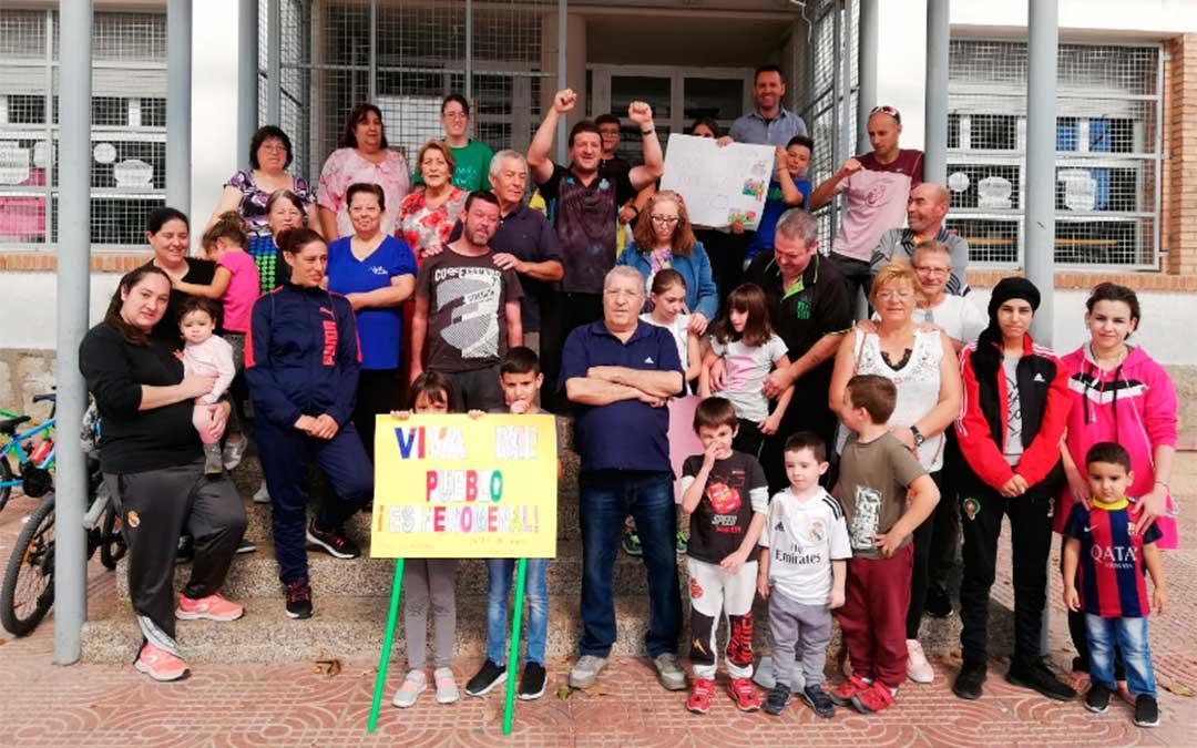 El colegio de Las Barriadas de Utrillas ha parado por la España vaciada.