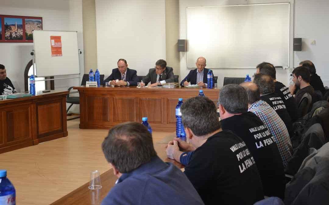 La plataforma de las subcontratas, harta de promesas, exige a Arturo Aliaga «soluciones en firme»