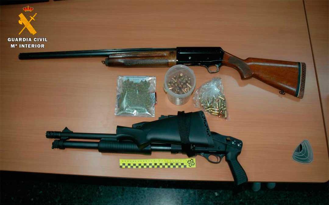 Armas largas intervenidas en el registro de Caspe.