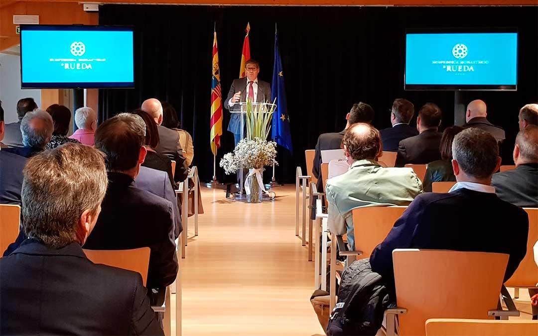 El vicepresidente y consejero del Gobierno de Aragón, Arturo Aliaga, este lunes en la reapertura de la Hospedería de Rueda.
