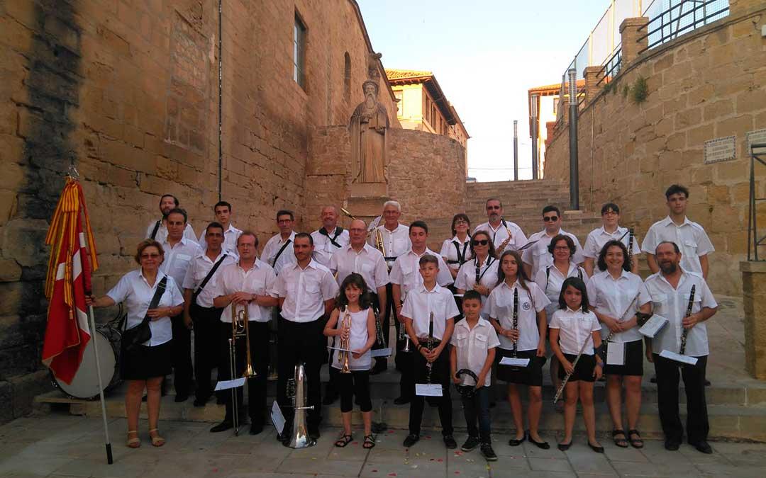 Imagen de algunos de los integrantes de la Banda Municipal de Caspe en las fiestas de San Roque.