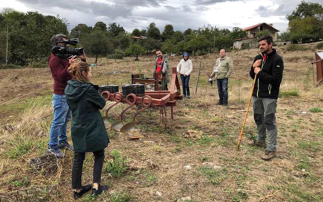 Rodaje del documental en una explotación ganadera en Viana do Bolo (Ourense)./ UPA