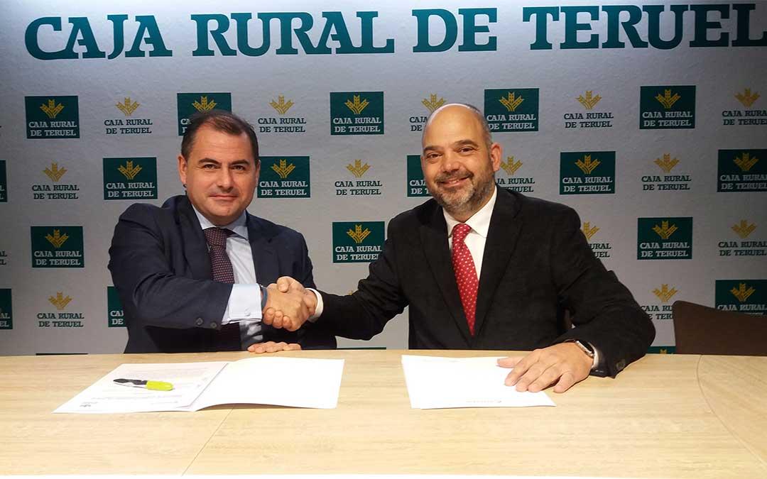 El director general de Caja Rural, David Gutiérrez Díez. y el presidente de la Cámara, Antonio Santa Isabel.