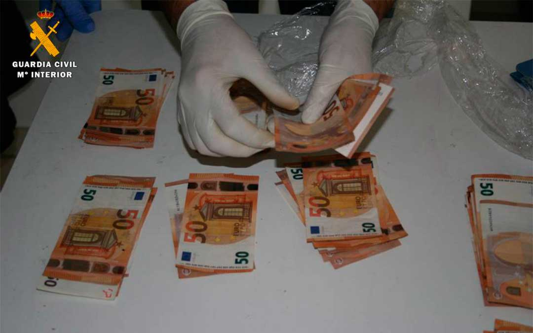 Se intervinieron 11.000 euros en efectivo.
