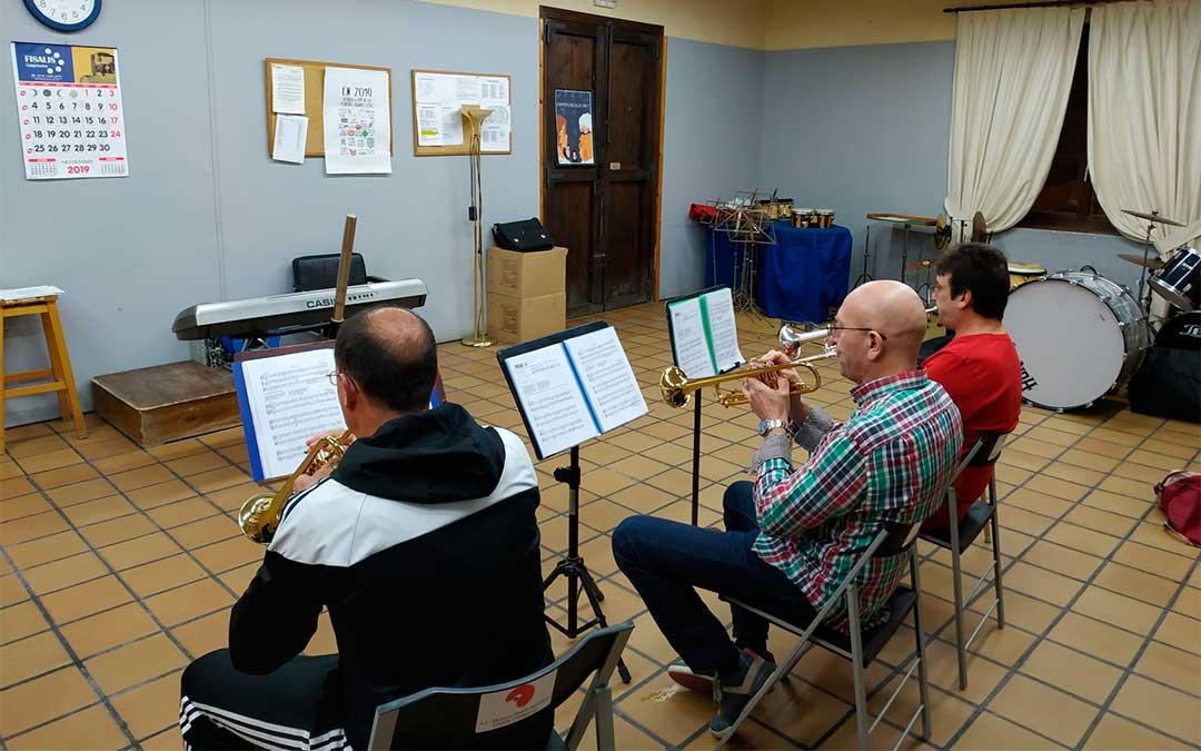 Clase de trompeta en la Escuela de Música de Caspe.