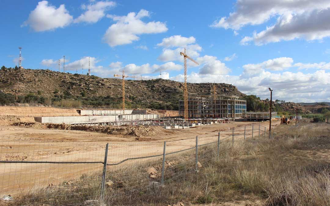 Estado actual de las obras del nuevo Hospital de Alcañiz / L. Castel