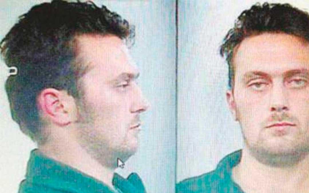 Norber Feher, Igor el Ruso, en su fotografía tras la detención por la Guardia Civil después del triple crimen en Andorra./ Heraldo