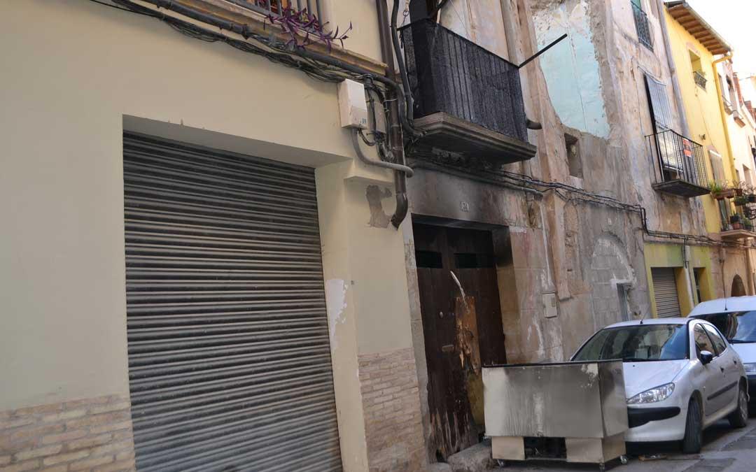 El incendio se ha producido esta madrugada en el número 31 de la calle Trinidad de Alcañiz