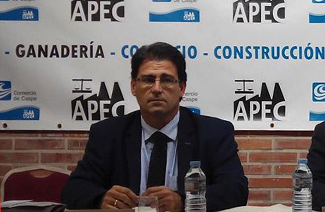 Javier Val Burillo, es director de emprendimiento de CEOE Aragón