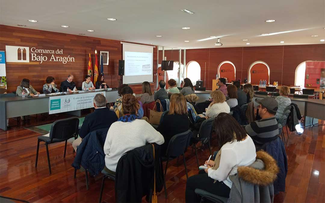 Jornada de Empresas Inclusivas organizada por COCEMFE y ASADICC, con el apoyo de Fundación Once y el Programa Incorpora de La Caixa en la sede de la Comarca Bajo Aragón en Alcañiz.