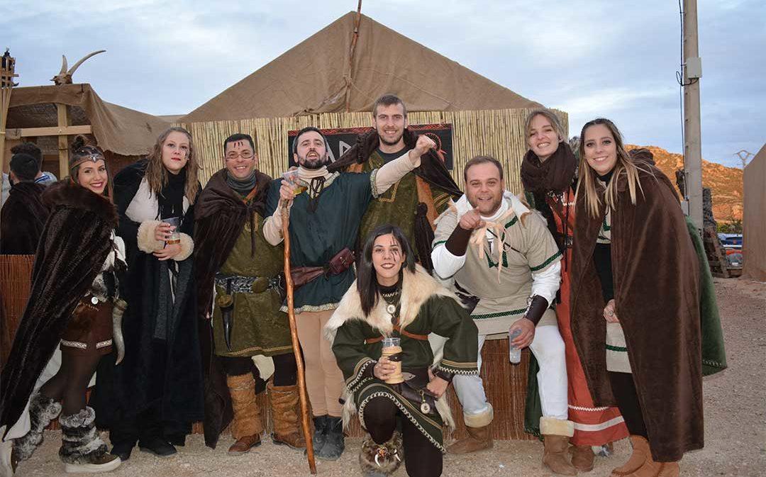 Los clanes y los romanos hacen frente con éxito a la climatología en la feria Lakuerter de Andorra