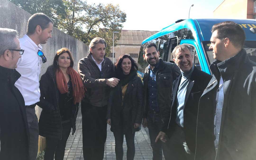 Moreno este viernes en declaraciones a los medios antes de partir a Barcelona para asistir a la fiesta de cierre de campaña nacional de Cs