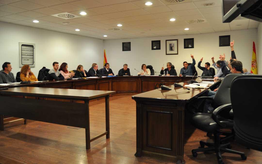 Durante el pleno tuvo lugar un empate técnico que fue resuelto con el voto de calidad del presidente comarcal