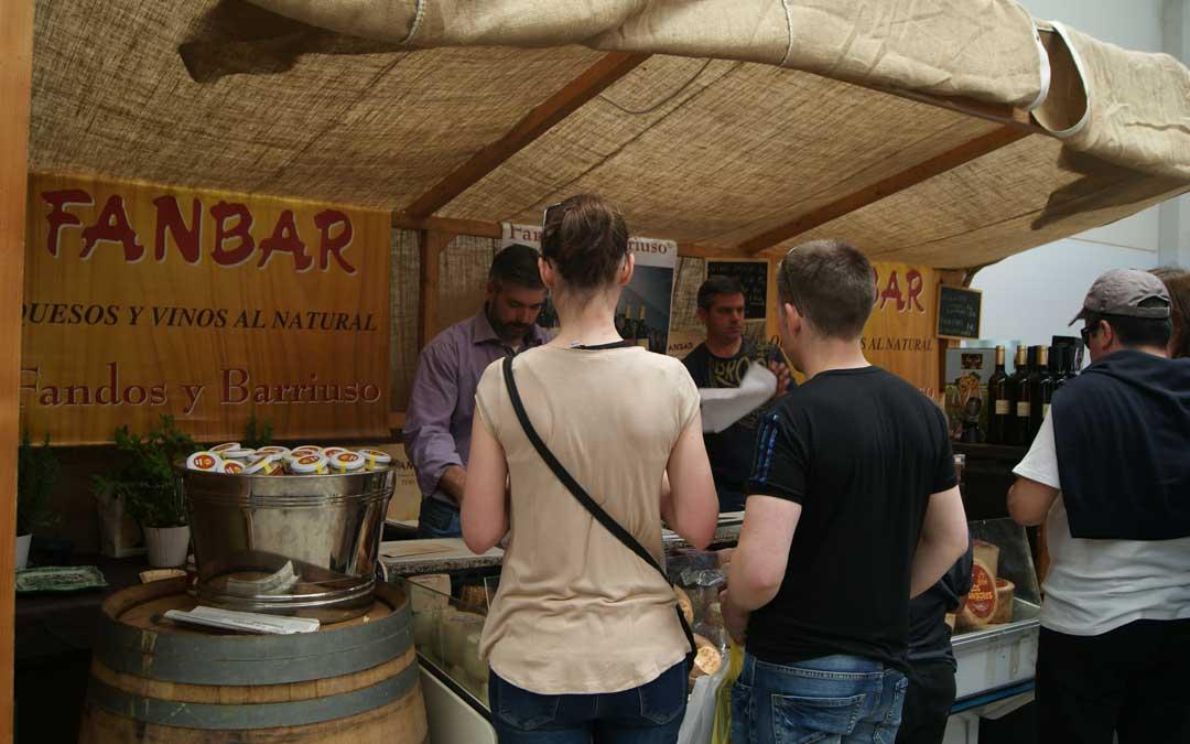 Los productos de Fanbar en la feria de Samper el año pasado. / B. Severino