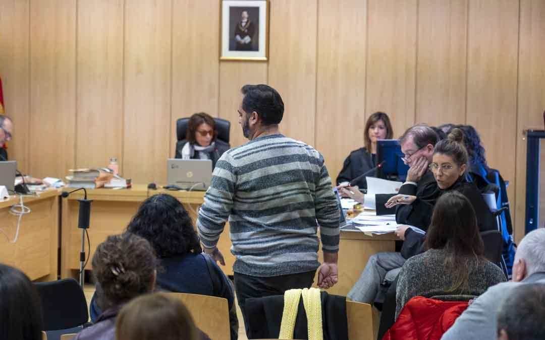 Juicio contra los acusados de haber publicado tuits de odio hacia la Guardia Civil tras el triple asesinato de Igor el Ruso en Andorra el pasado mes de noviembre de 2019./ Antonio García Bykofoto