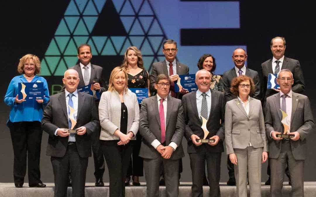 El IES Bajo Aragón recoge un premio a la Excelencia Empresarial 2019