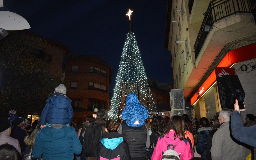 """Alcorisa celebra su """"espectacular"""" encendido de luces con la presencia de Televisión Española"""