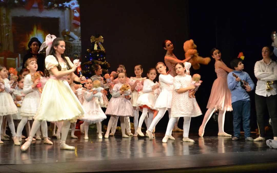 'El Cascanueces' se representa en el Teatro Municipal alcañizano