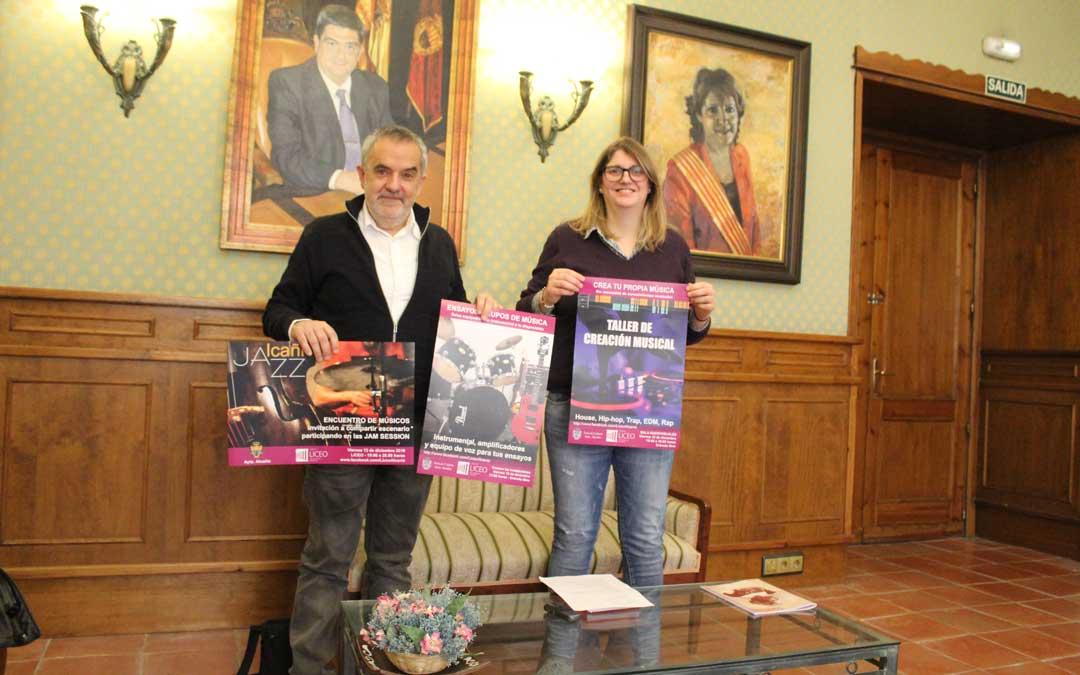 Santiago Sáenz y Susana Mene, en la presentación en el ayuntamiento. / B. Severino
