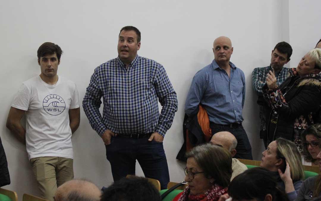 Alcubierre en el público interviniendo durante la mesa redonda / L. Castel