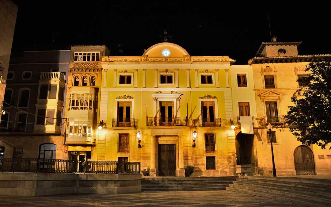 La plaza de España de Caspe será uno de los lugares que apagará sus luces.