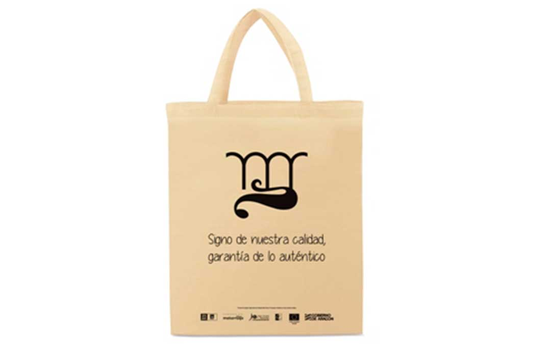 Bolsa de tela reutilizable con el logotipo de la Marca de Calidad Territorial Matarraña.