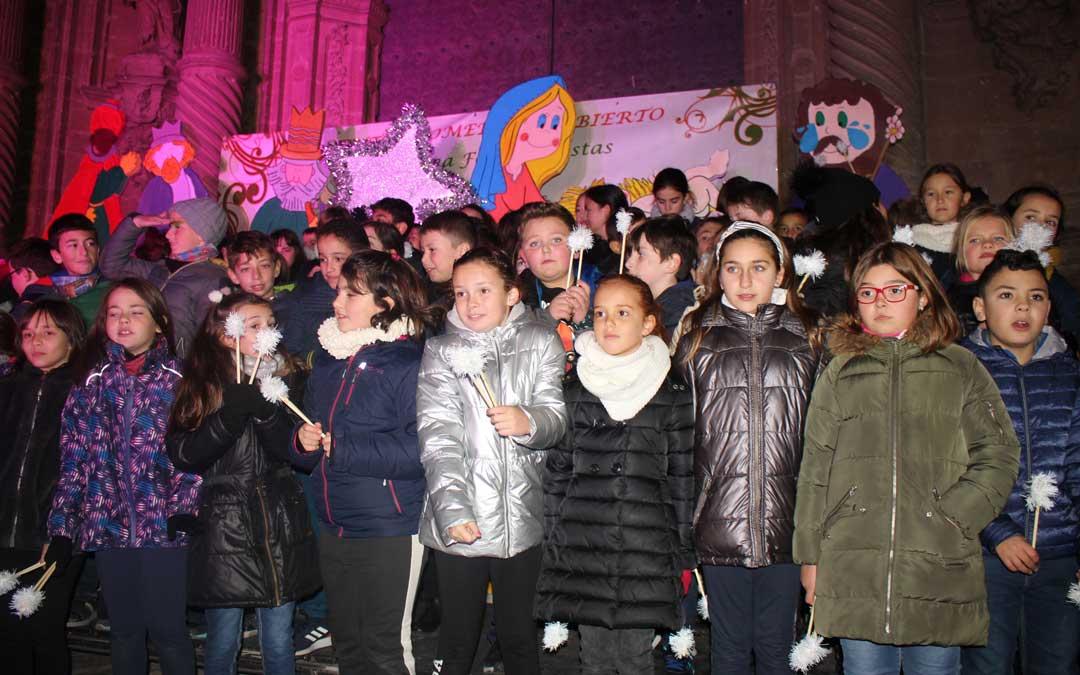 'Entre fríos, escarchas y nieves' ha sido el villancico del colegio Emilio Díaz / L. Castel