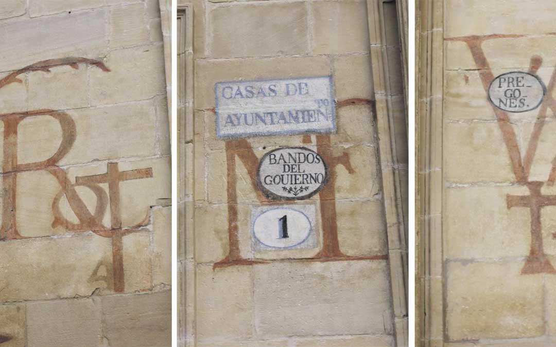 En los dos extremos de la puerta de la Casa Consistorial han aparecido unos esbozos que se están estudiando pero que ya está confirmado que tienen relación con la Semana Santa / L. Castel
