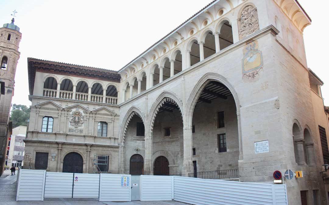 Termina la restauración de la fachada de la Casa Consistorial y la Lonja de Alcañiz
