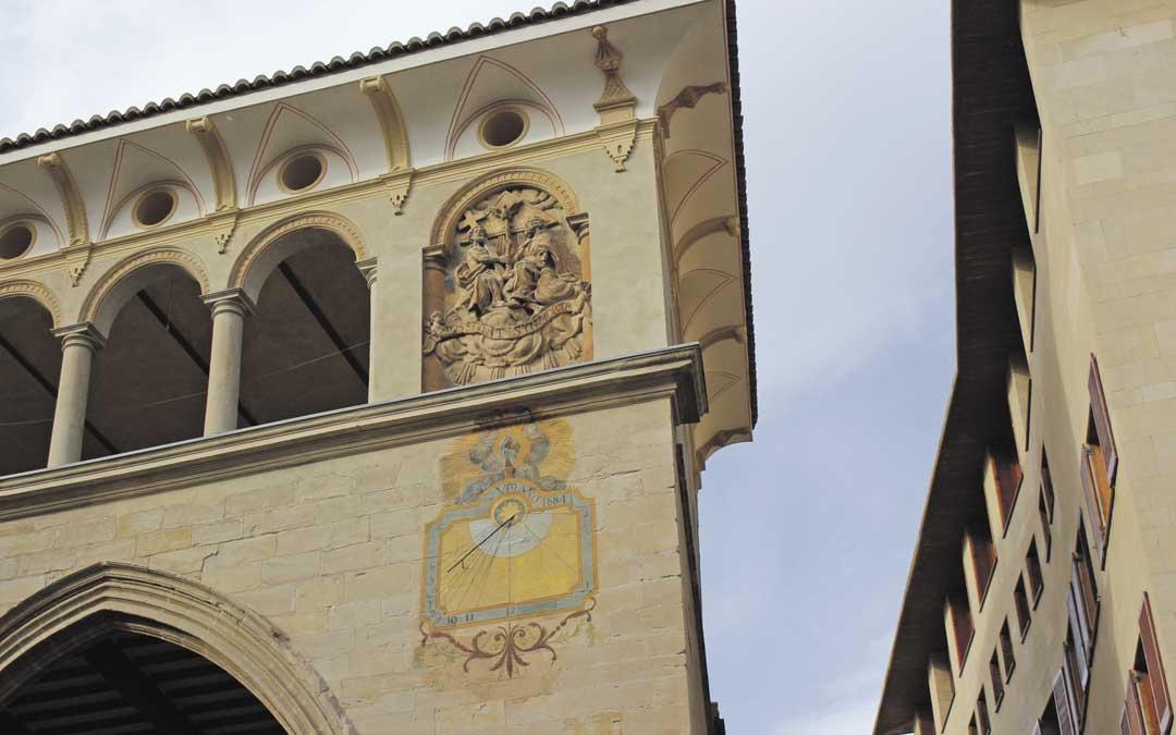 También se está estudiando el origen exacto de los arcos de la Lonja de estilo o procedencia gótica / L. Castel