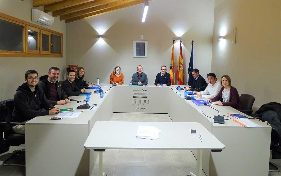 Último pleno municipal, en el que se aprobaron los presupuestos con los votos a favor de PP y PAR, y las abstenciones de PSOE y Ganar Alcorisa.