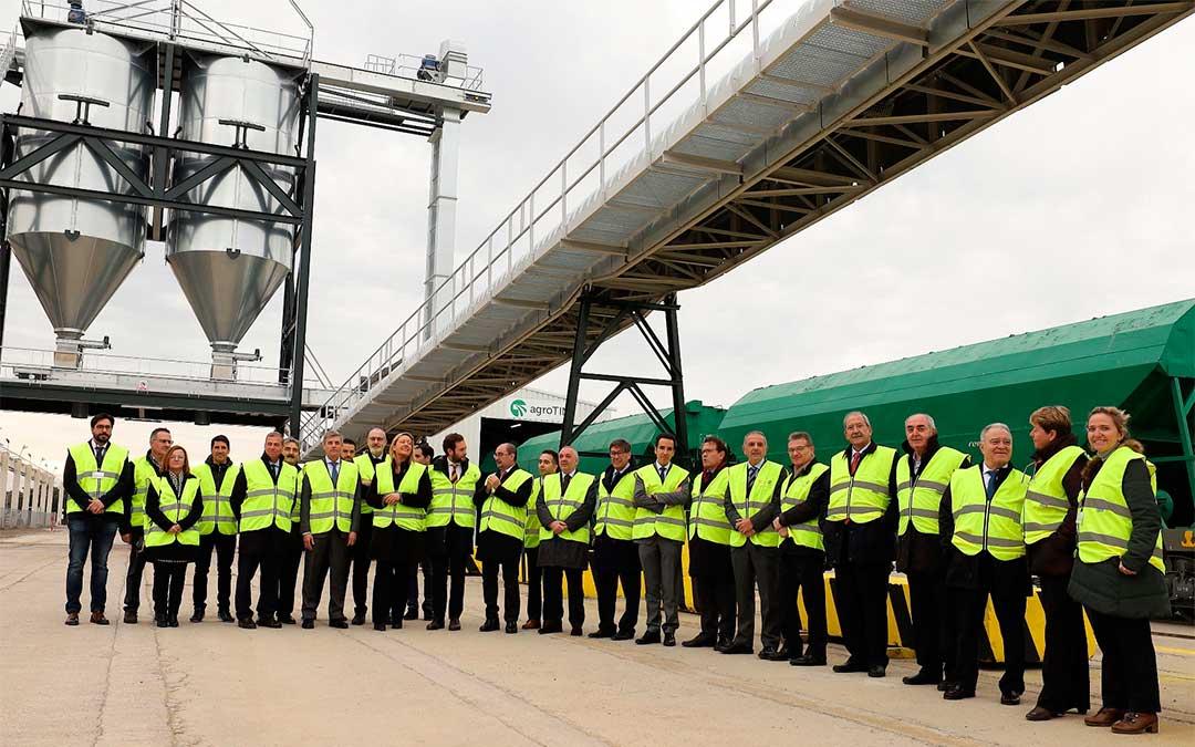 Inauguración de la nueva terminal ferroviaria para graneles agroalimentarios AGROTIM del Grupo Samca, presidida por el presidente del Gobierno de Aragón, Javier Lambán./ Prensa IZE