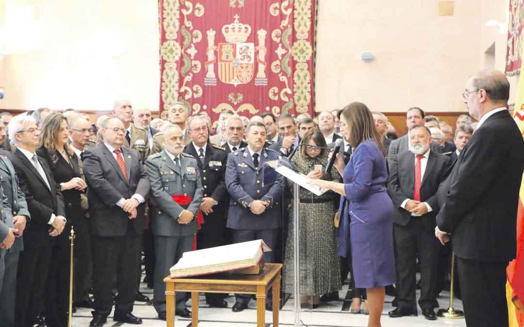 La Delegada del Gobierno en Aragón, Carmen Sánchez, ayer en Zaragoza leyendo el discurso que centró el acto del 41º aniversario de la Constitución.