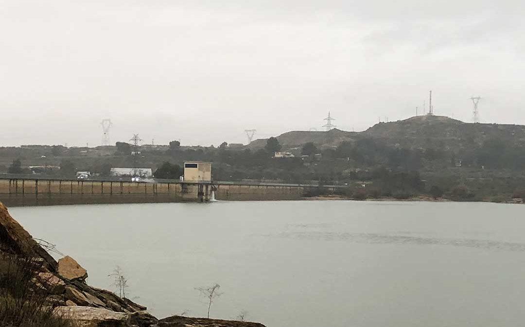 Desembalsan el pantano de Caspe por el fuerte temporal