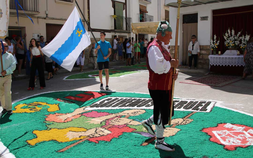 Aguaviva impresionó una vez más en agosto con sus alfombras de serrín./ L.C.