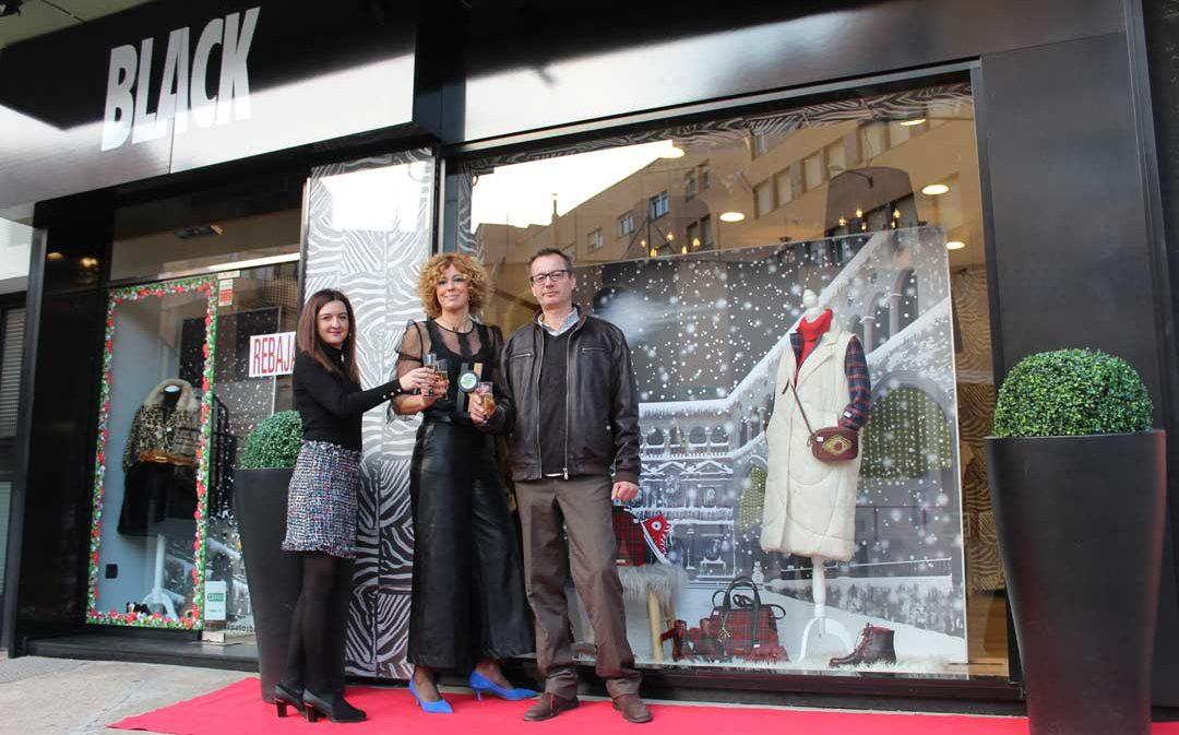 Zapatos Black de Alcañiz gana el concurso provincial de escaparates de Navidad