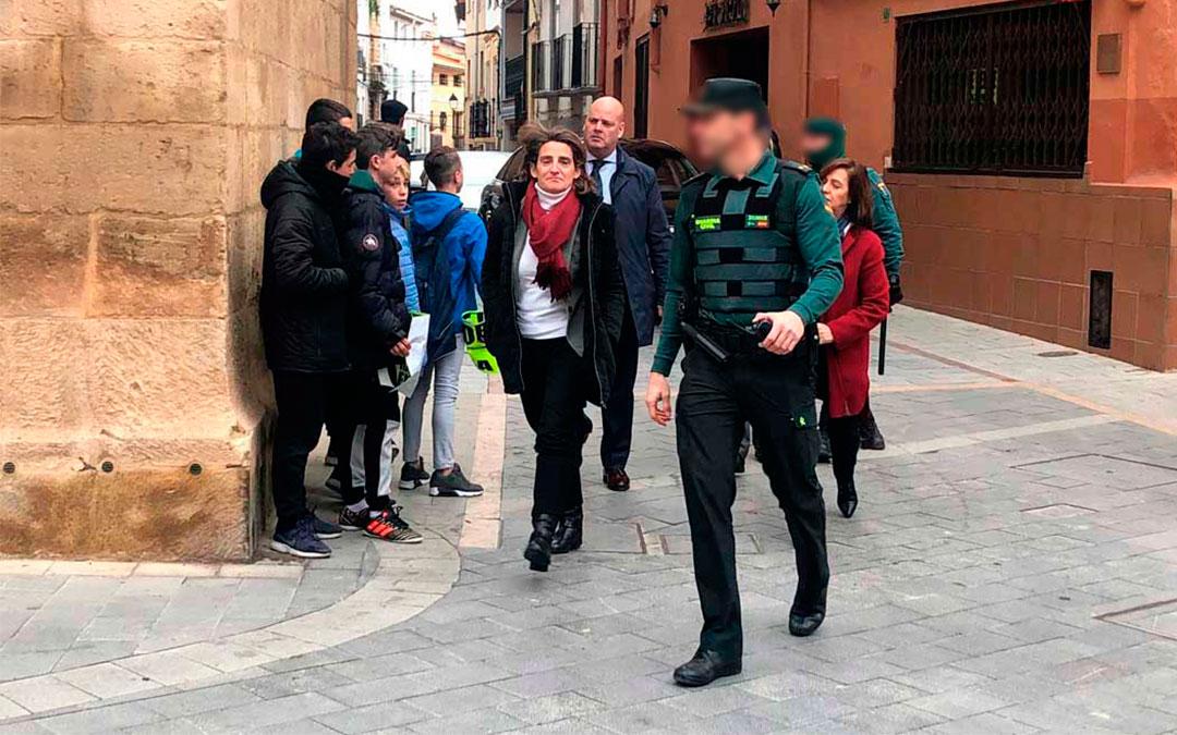 Llegada de la Ministra Teresa Ribera en enero de 2019 a Andorra entre medidas de seguridad. / L. Castel