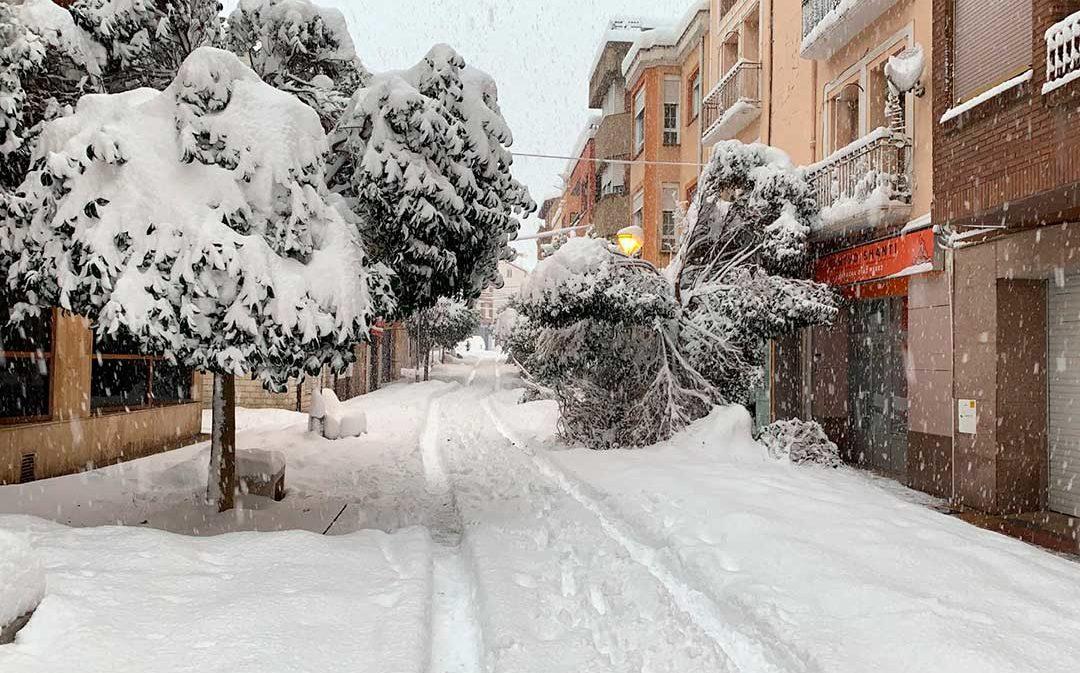 Última hora: varias carreteras cortadas y circulación complicada por la nevada de esta noche