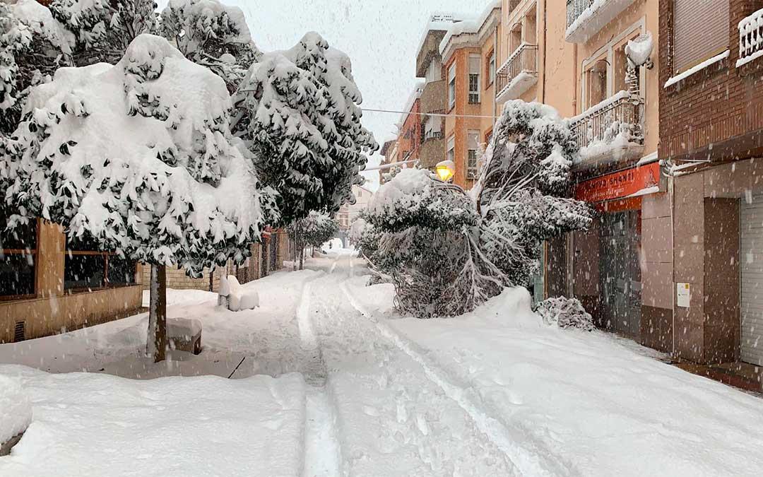 Andorra ha amanecido hasta los topes de nieve este martes./ Roberto Miguel