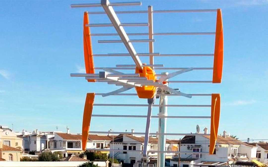 Imagen de una Antena de TDT./ L.C.