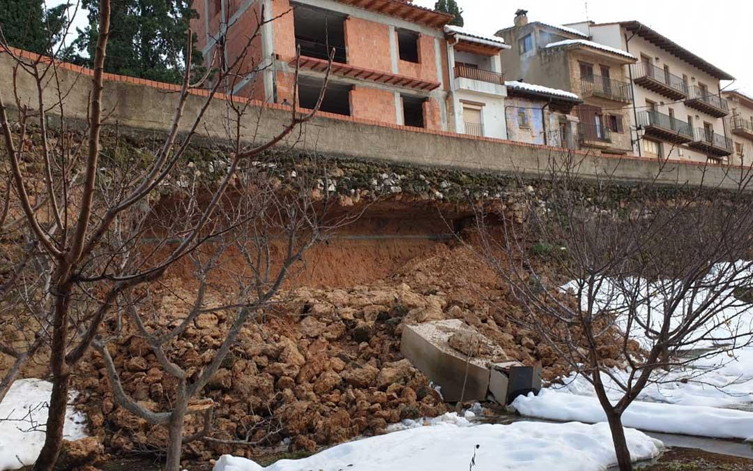 En Beceite las filtraciones produjeron un derrumbe debajo de una calle por lo que se tendrá que acometer su reconstrucción
