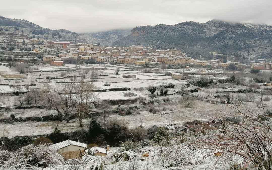 Beceite, con las primeras nieves. / J. De Luna